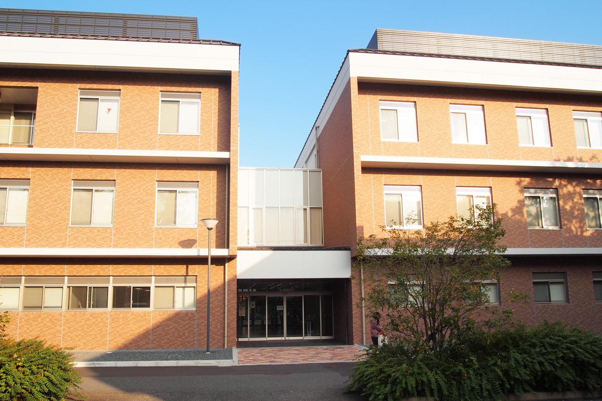 京都工芸繊維大学 室名札・サインの納入実績